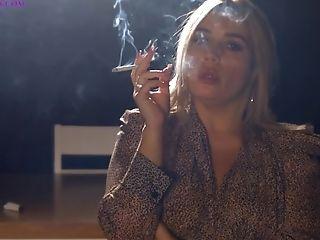 Smoking Models Laura