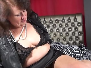 Huge-titted Matures Unexperienced Bbw Granny Chantal A. Plays With Her Arse