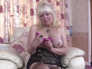 Matures Huge-boobed Blonde Bbw Cindy S. Plays With A Fuck Stick In Her Beaver