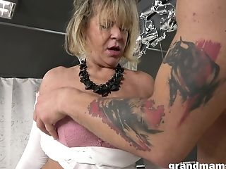 Hot Fellow Loves Fucking Sexy Granny With Massive Mammories And Round Bootie
