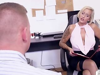 Horny Chief Lady Threesome