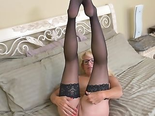 Matures Blonde Mummy Bianca J. Frigs Herself In Stockings