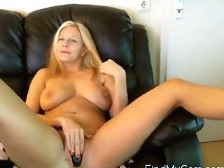 Sexy Blonde Mummy Pleasing Her Nubs Using Fucktoy